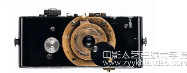 最早的小型照相机.jpg