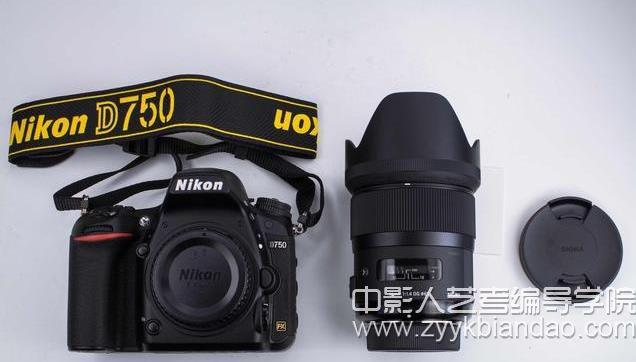 相机的时尚和实用.jpg