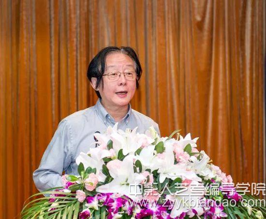 原中国国家话剧院副院长王晓鹰发表演讲.jpg